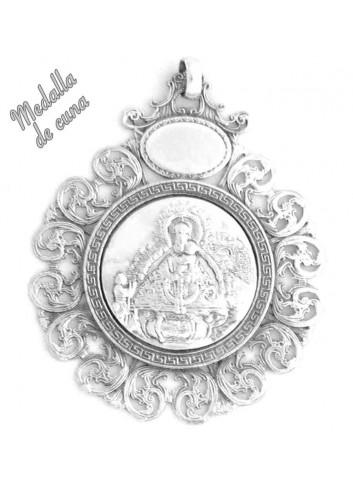 Medalla de cuna Virgen de la Cabeza aparición bisel rizado