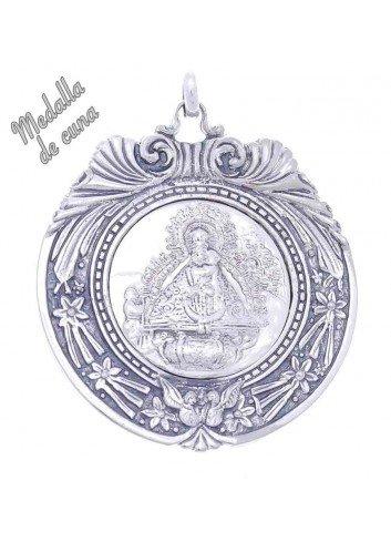 Medalla de cuna Virgen de la Cabeza aparición bisel estrellas