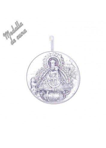 Medalla de cuna Virgen de la Cabeza relieve