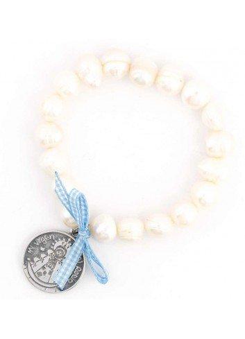 Pulsera Virgen del Rocío perlas elástica lazo azul blanco