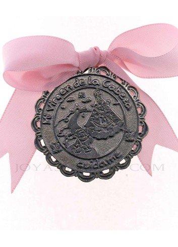 Medalla cuna Virgen Cabeza infantil  metal plateado lazo rosa