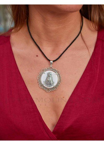 Medalla Virgen del Rocío plata bisel filigranas