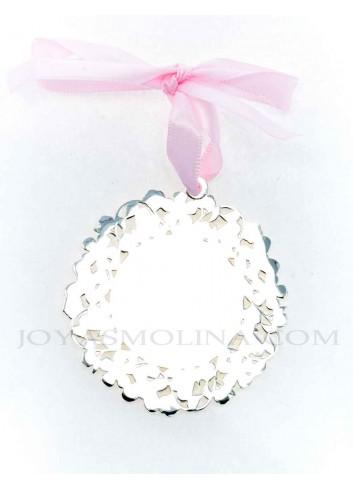 Medalla cuna Virgen de la Cabeza flores rosa redonda reverso