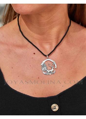 Medalla plata Virgen de la Cabeza con ciervo monteros