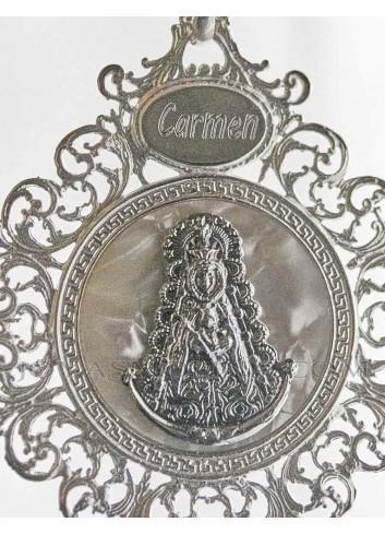 Medalla de cuna Virgen del Rocío sobre nácar grabada