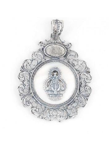Medalla cuna Virgen Cabeza metal nácar bisel rocallas