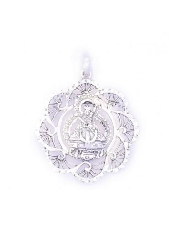 Medalla  Virgen de la Cabeza entronizada calada con bisel  abanicos