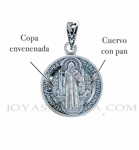 medalla San Benito copa envenenada y cuervo