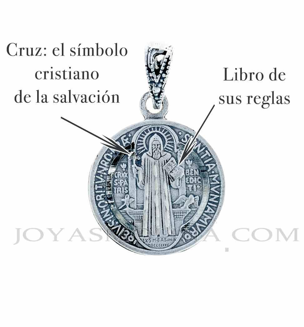 Medalla San Benito manos